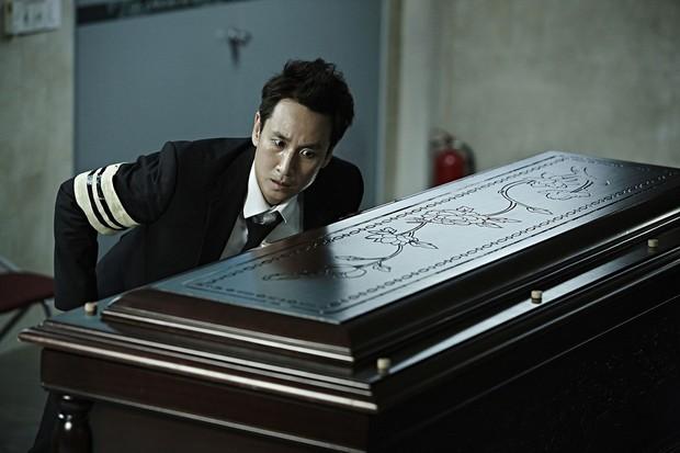 A Hard Day: Siêu phẩm hình sự Hàn khiến người xem dính chặt vào ghế - Ảnh 5.
