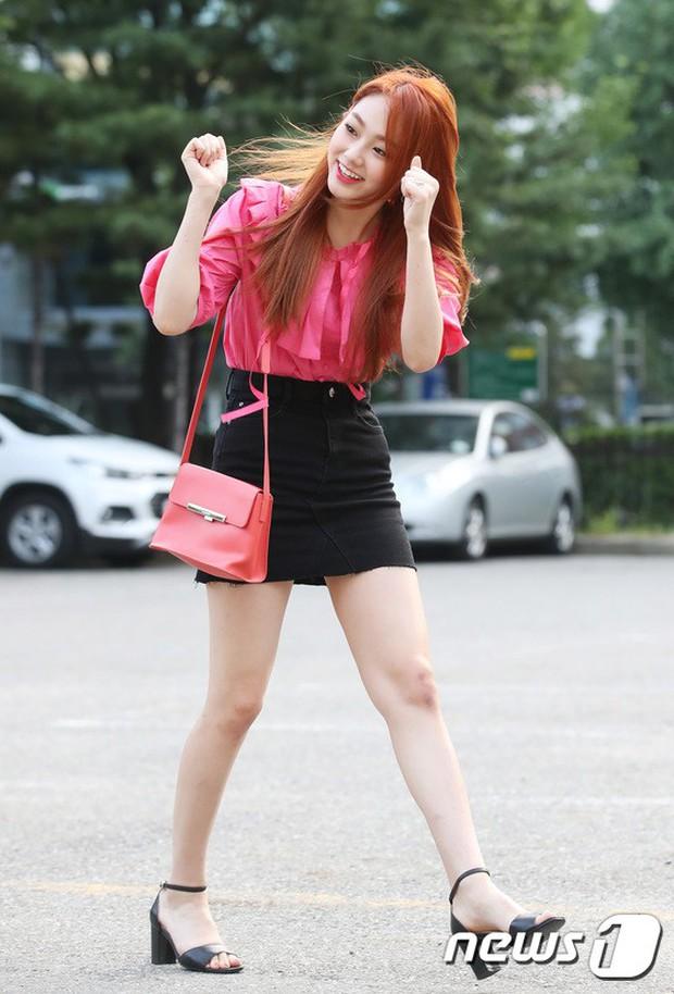 Quân đoàn mỹ nam mỹ nữ Kpop đổ bộ: Hyuna bỗng xinh bật lên so với dàn nữ thần, idol lộ vòng 3 vì mặc quần cũn cỡn - Ảnh 15.