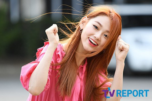 Quân đoàn mỹ nam mỹ nữ Kpop đổ bộ: Hyuna bỗng xinh bật lên so với dàn nữ thần, idol lộ vòng 3 vì mặc quần cũn cỡn - Ảnh 16.