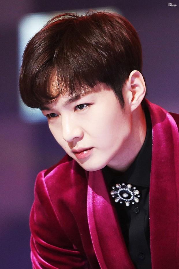 Seungri vừa trở lại đã vượt mặt dàn đàn em trong top idol nam hot nhất, nhưng nhân vật này còn gây bất ngờ hơn! - Ảnh 3.