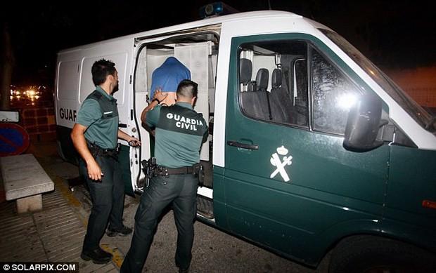 4 du khách Anh bị bắt tại Ibiza (Tây Ban Nha) vì nghi án đánh thuốc và cưỡng bức tập thể một phụ nữ 29 tuổi - Ảnh 2.