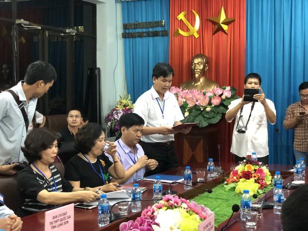 Họp báo vụ nghi vấn điểm thi ở Lạng Sơn: Chỉ có 8 bài thi Văn bị giảm điểm, bài thi trắc nghiệm không phát hiện sai phạm sau khi chấm thẩm định - Ảnh 3.