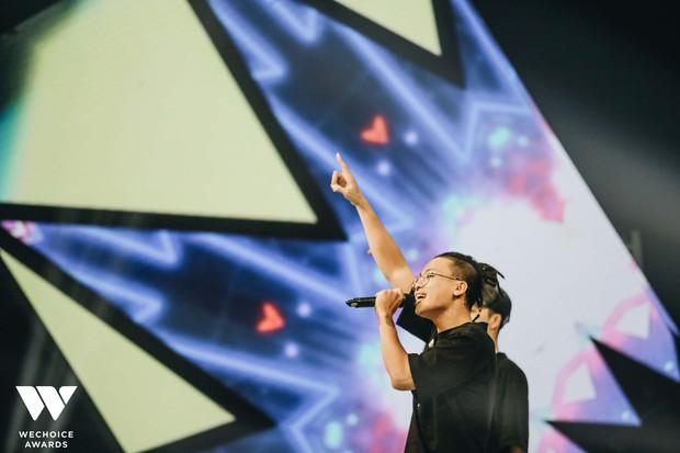Hành trình truyền cảm hứng WeChoice Awards tháng 7: Cứ tỏa sáng đi vì ta có thể! - Ảnh 12.