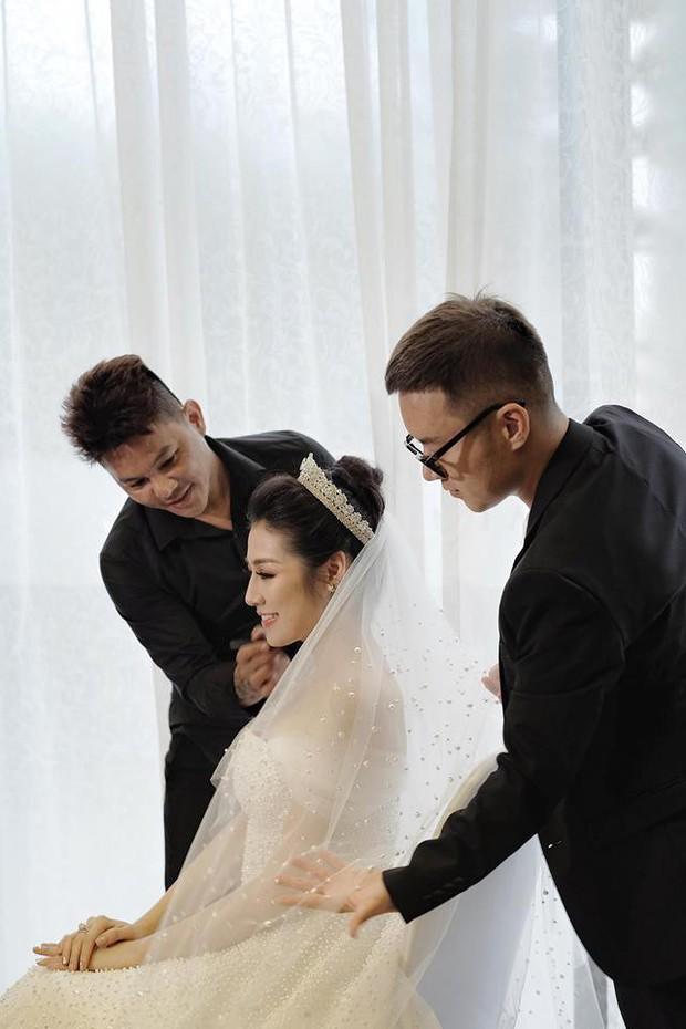 Thay tới 3 chiếc váy cưới trong ngày trọng đại nhưng lại có 1 chiếc không thực sự hợp với Á hậu Tú Anh - Ảnh 2.
