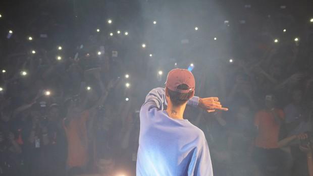 Rapper Đen tung MV cho ca khúc gửi thông điệp tôi chỉ là người bình thường, không muốn làm thần tượng - Ảnh 6.