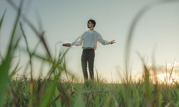 Rapper Đen tung MV cho ca khúc gửi thông điệp tôi chỉ là người bình thường, không muốn làm thần tượng - Ảnh 5.