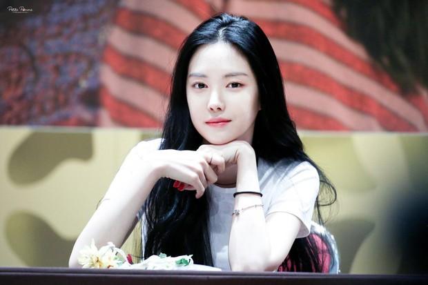 Top thần tượng nữ hot nhất tháng 7: Jennie (Black Pink) chễm chệ ngôi vương, top 5 toàn các nhân vật gây tranh cãi - Ảnh 2.