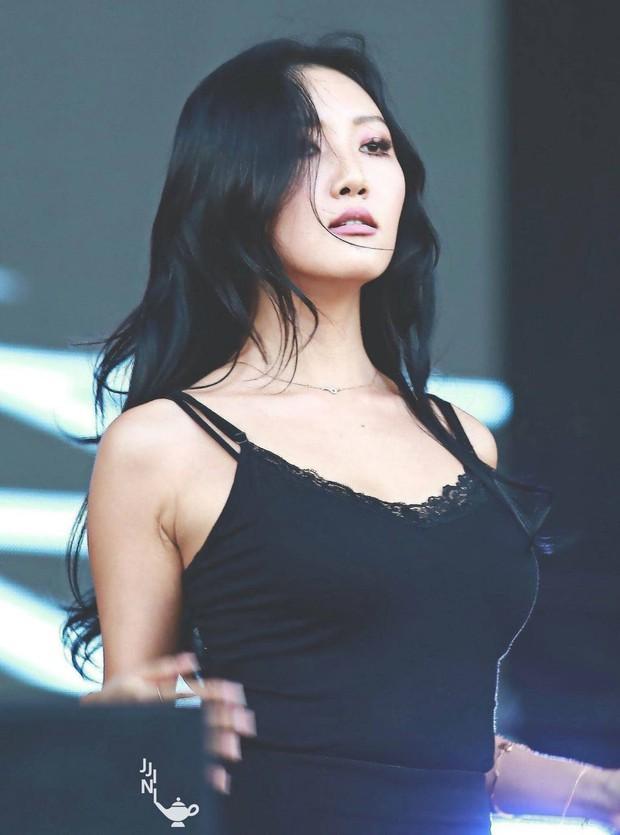 Top thần tượng nữ hot nhất tháng 7: Jennie (Black Pink) chễm chệ ngôi vương, top 5 toàn các nhân vật gây tranh cãi - Ảnh 4.