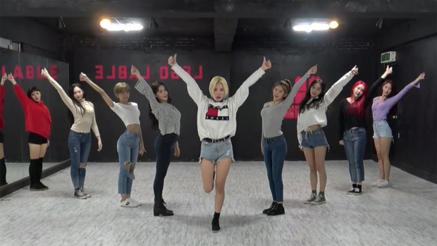 Top 10 video vũ đạo có lượt xem khủng nhất Kpop: Black Pink chiếm nửa, Big Bang sắp bị soán ngôi - Ảnh 4.