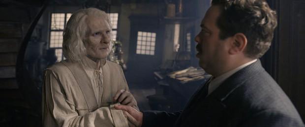 Trailer Fantastic Beasts 2 gây bồi hồi xúc động với chiếc vé về tuổi thơ ở trường Hogwarts - Ảnh 5.