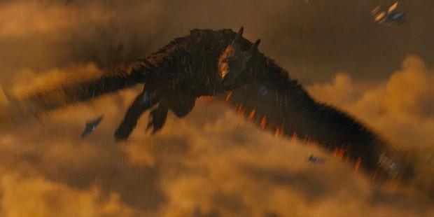 Trailer Fantastic Beasts 2 gây bồi hồi xúc động với chiếc vé về tuổi thơ ở trường Hogwarts - Ảnh 17.