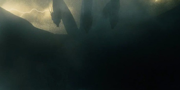 Trailer Fantastic Beasts 2 gây bồi hồi xúc động với chiếc vé về tuổi thơ ở trường Hogwarts - Ảnh 19.