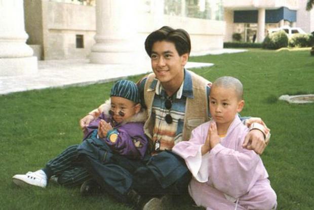 Lâm Chí Dĩnh khoe nhan sắc ma cà rồng khi tái ngộ Thích Tiểu Long sau 24 năm phát sóng Thiếu Lâm Tiểu Tử - Ảnh 4.