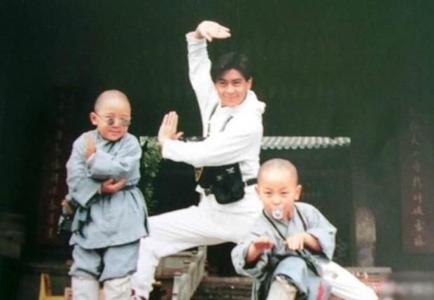 Lâm Chí Dĩnh khoe nhan sắc ma cà rồng khi tái ngộ Thích Tiểu Long sau 24 năm phát sóng Thiếu Lâm Tiểu Tử - Ảnh 5.