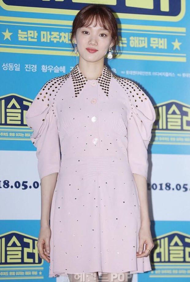 """Đều là đại mỹ nhân, nhưng khi đụng hàng mới thấy rõ """"đẳng cấp đỉnh cao"""" của Han Hyo Joo so với Lee Sung Kyung và Côn Lăng - Ảnh 4."""