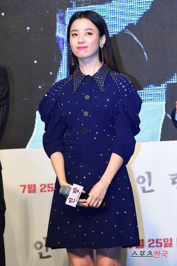 """Đều là đại mỹ nhân, nhưng khi đụng hàng mới thấy rõ """"đẳng cấp đỉnh cao"""" của Han Hyo Joo so với Lee Sung Kyung và Côn Lăng - Ảnh 3."""
