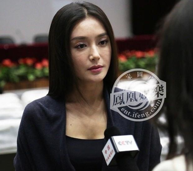Tần Lam - Hoàng Hậu của Diên Hi Công Lược từng bỏ rơi Huỳnh Hiểu Minh lúc đau ốm, đối diện với nghi vấn thẩm mỹ - Ảnh 33.