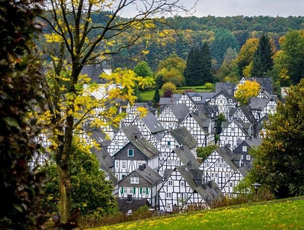 """Freudenberg - Thị trấn độc nhất nước Đức với hàng chục nhà trông như 1, tìm nhà gian nan chẳng khác gì """"mò kim đáy bể"""" - Ảnh 2."""