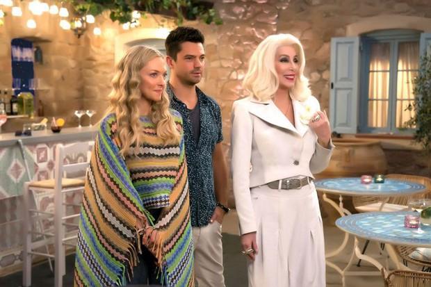 Phim hành động già gân thắng sít sao Mamma Mia! 2 trong cuộc chiến phòng vé - Ảnh 4.