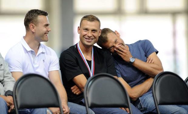 Câu chuyện anh em nhà Berezutski không đá World Cup - Ảnh 7.