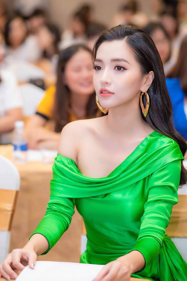 Á hậu Thùy Dung diện chiếc đầm này đã đẹp, lên dáng Bích Phương lại gợi cảm hơn bội phần! - Ảnh 2.