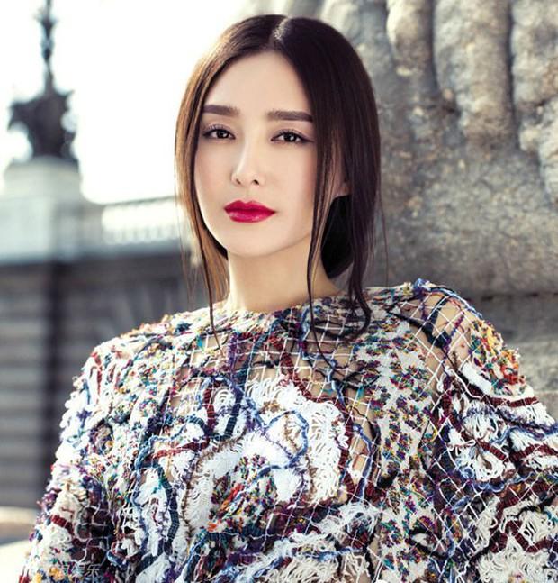 Tần Lam - Hoàng Hậu của Diên Hi Công Lược từng bỏ rơi Huỳnh Hiểu Minh lúc đau ốm, đối diện với nghi vấn thẩm mỹ - Ảnh 15.