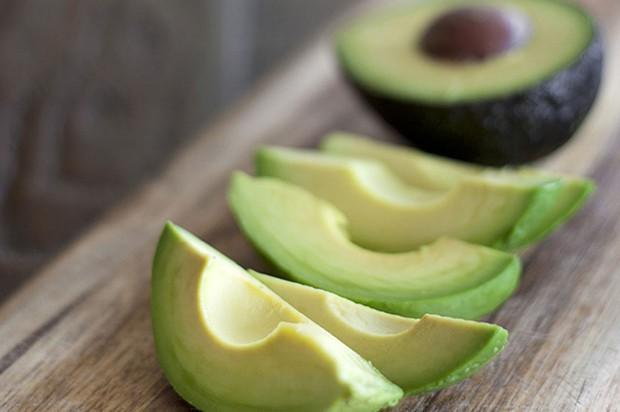 9 loại thực phẩm giúp bảo vệ tim mạch mà bạn cần bổ sung thường xuyên - Ảnh 1.