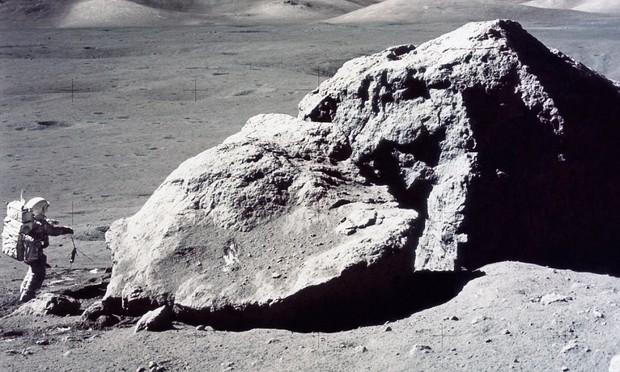 NASA đã mang về hàng trăm kg đất Mặt trăng nhưng gần như chưa đụng đến, và lý do là... - Ảnh 1.