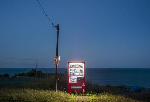 Ở Nhật, ra ngõ là gặp ngay máy bán hàng tự động và đây là 6 lí do cực cool của nó - Ảnh 1.