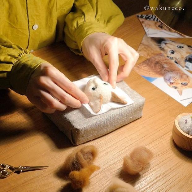 Chỉ bằng những sợi len, các nghệ nhân Nhật Bản đã tạo ra những chú mèo bông y chang ngoài đời - Ảnh 1.