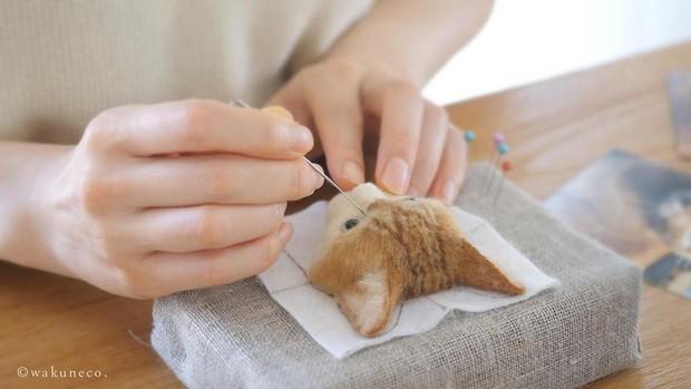 Chỉ bằng những sợi len, các nghệ nhân Nhật Bản đã tạo ra những chú mèo bông y chang ngoài đời - Ảnh 2.
