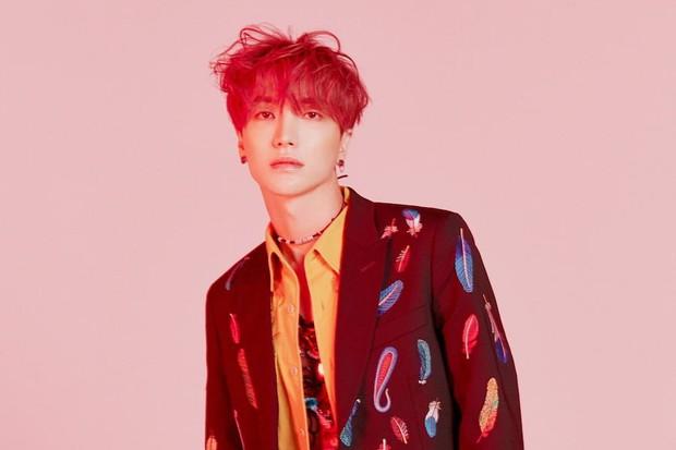 Xôn xao tin trưởng nhóm Super Junior bị viêm túi mật cấp tính, hủy hết lịch trình hậu phẫu thuật - Ảnh 1.