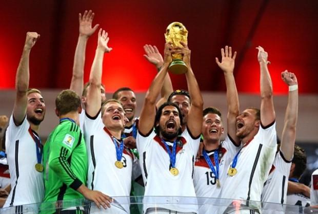 Cầu thủ nào từng vô địch Champions League, World Cup trong cùng một năm? - Ảnh 5.