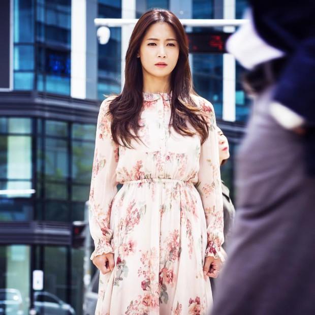 Let Me Introduce Her: Phim Hàn mới chiếu đã gây sốt ruột vì... quá điêu - Ảnh 2.