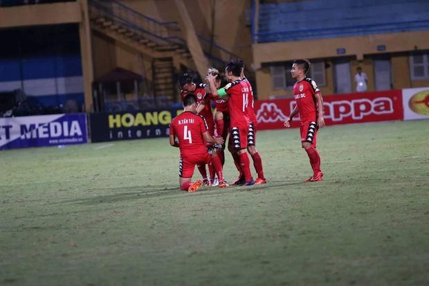 Hà Nội FC bị B.Bình Dương cầm hòa trong ngày tân binh Olympic Việt Nam ghi bàn - Ảnh 4.