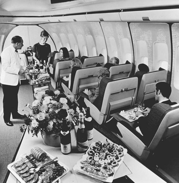 Hình ảnh cho thấy những đổi thay trong các chuyến bay xưa và nay - Ảnh 19.