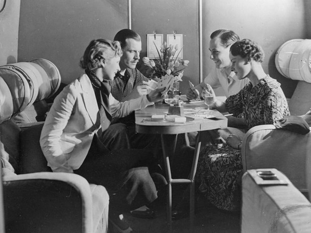 Hình ảnh cho thấy những đổi thay trong các chuyến bay xưa và nay - Ảnh 23.