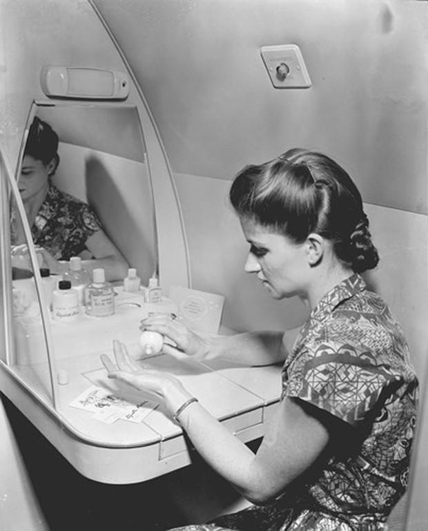 Hình ảnh cho thấy những đổi thay trong các chuyến bay xưa và nay - Ảnh 28.