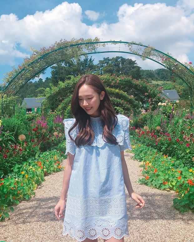 Hết em gái Krystal, lại đến Jessica Jung bị chê bai thậm tệ: Dao kéo thế rồi mà vẫn đầy nét đàn ông - Ảnh 3.