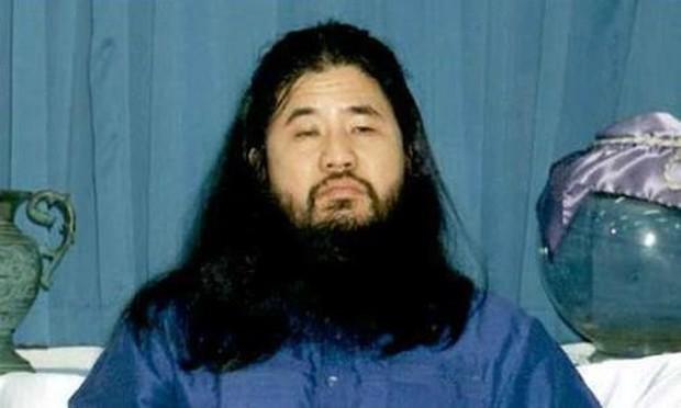 Nhật Bản: Tử hình thêm 6 thành viên tấn công tàu điện ngầm bằng Sarin - Ảnh 1.