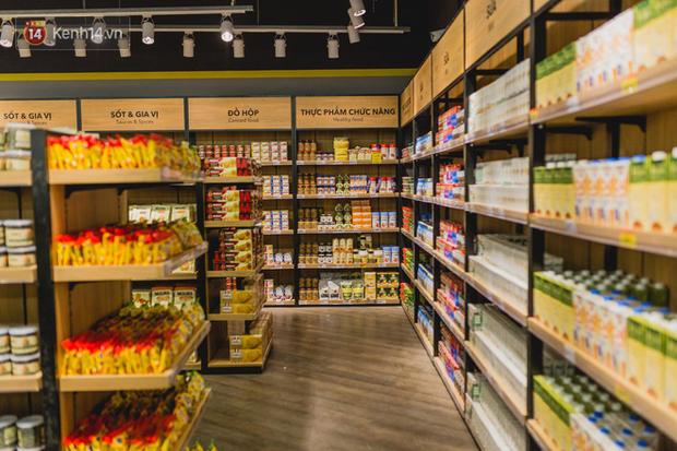 """Cận cảnh VinMart trong toà nhà cao nhất Việt Nam: Ai bảo siêu thị là không thể """"chất"""", không thể cool? - Ảnh 3."""