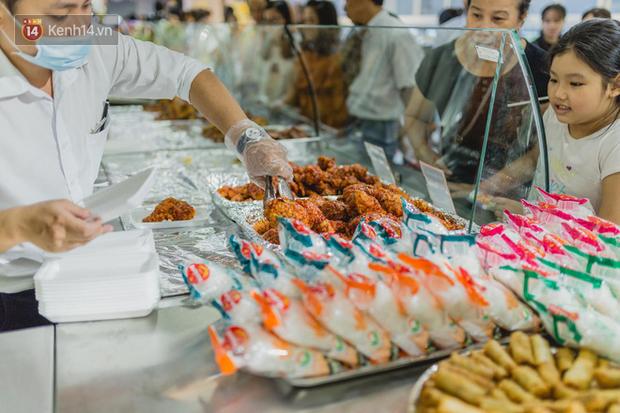 """Cận cảnh VinMart trong toà nhà cao nhất Việt Nam: Ai bảo siêu thị là không thể """"chất"""", không thể cool? - Ảnh 13."""