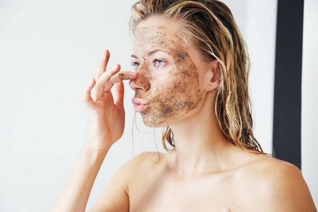 Thay đổi thói quen chăm sóc da để ngăn ngừa mụn đầu đen - Ảnh 2.