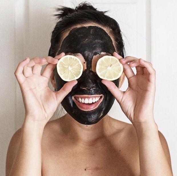 Thay đổi thói quen chăm sóc da để ngăn ngừa mụn đầu đen - Ảnh 4.