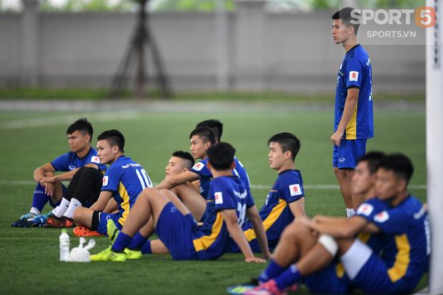 Hồng Duy Pinky chia tay Olympic Việt Nam vì chấn thương - Ảnh 2.