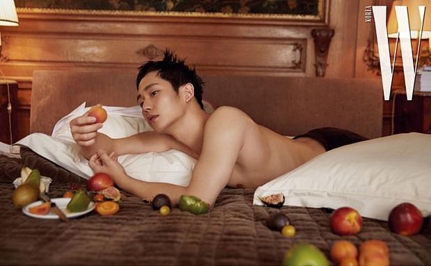 Cố lột xác với loạt hình tạp chí sexy, tài tử Chị đẹp Jung Hae In lại bị chê vì tạo dáng ngả ngốn quá đà - Ảnh 4.