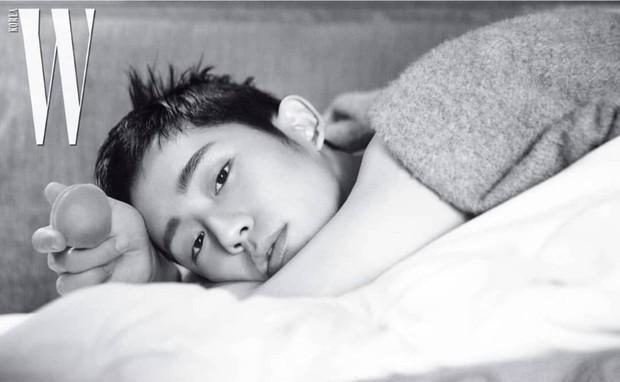 Cố lột xác với loạt hình tạp chí sexy, tài tử Chị đẹp Jung Hae In lại bị chê vì tạo dáng ngả ngốn quá đà - Ảnh 2.