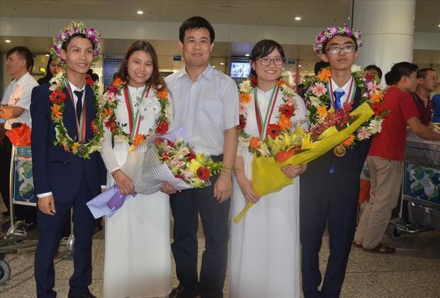 Giành Huy chương Vàng Olympic Sinh học Quốc tế, nữ sinh Hải Phòng được thưởng 500 triệu đồng - Ảnh 2.