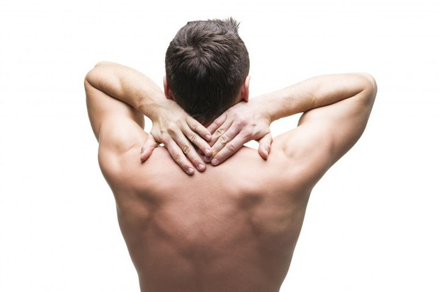 Nguyên nhân thường gặp của đau cổ - Ảnh 1.
