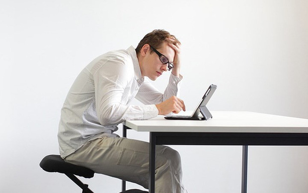 Nguyên nhân thường gặp của đau cổ - Ảnh 2.